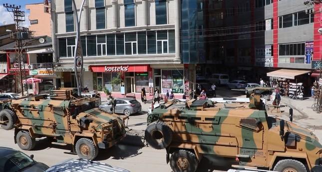 شهيدان من القوات المسلحة التركية في اشتباكات مع إرهابيي بي كا كا في هكّاري