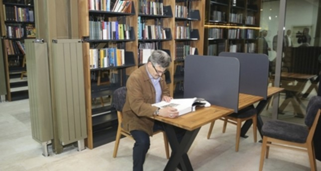 Library in Istanbul offers tea, coffee, soup for readers