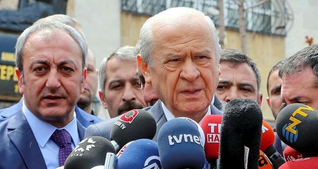 زعيم الحركة القومية التركي يثني على الشعب التركي عقب نجاح الاستفتاء