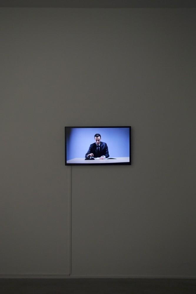 Ali Kazma, u201cClerku201d Single screen HD video, 3.09 min.