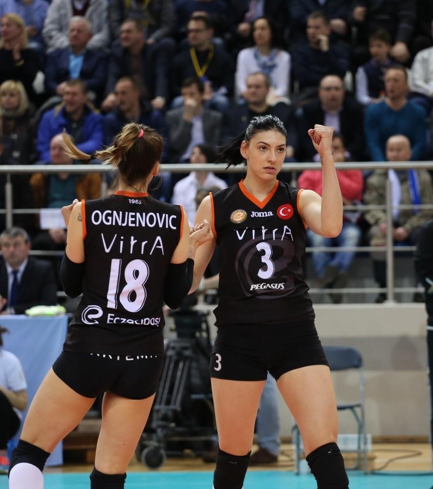 Minchanka could not find a way to stop Eczacu0131bau015fu0131's players like Tijana Boskovic and Maja Ognjenovic.