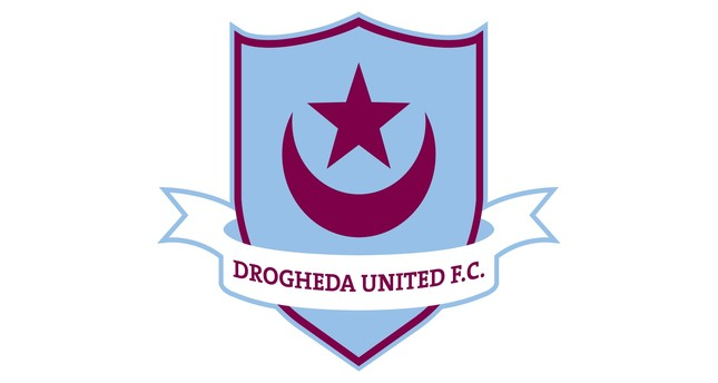 The embem of Drogheda United F.C. featuring a crescent and a star in apparent reference to Ottoman flag