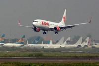 Jakarta: Flugzeug mit über 180 Menschen abgestürzt