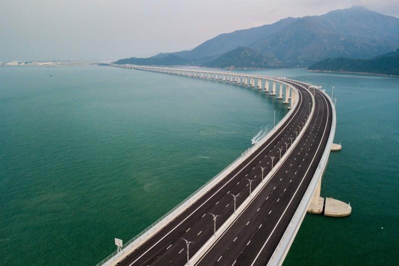 An aerial view taken on October 22, 2018, shows a section of the Hong Kong-Zhuhai-Macau Bridge (HKZM) in Hong Kong. (AFP Photo)