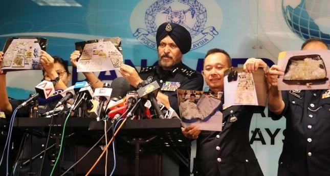 السلطات الماليزية تعرض صورا للمقتنيات التي تم مصادرتها من المناطق التي تمت مداهمتها