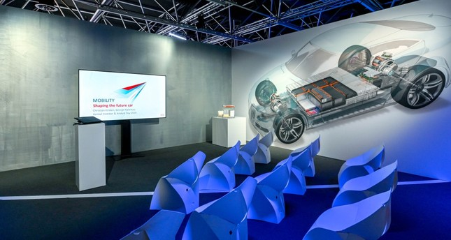 Henkel aims to become a part of the automotive industry by developing over 300 innovative solutions and is looking to respond to changing raw material needs with new types of energy, the lightening of electric cars and driverless vehicle technologies