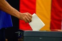 In Deutschland hat die Bundestagswahl begonnen. Rund 61,5 Millionen Bundesbürger sind aufgerufen, bis 18.00 Uhr ihre Stimme abzugeben. Sie können unter bundesweit 42 Parteien und 4828 Bewerbern...