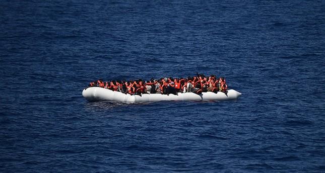 زورق مهاجرين أفارقة في البحر المتوسط (الأرشيف)
