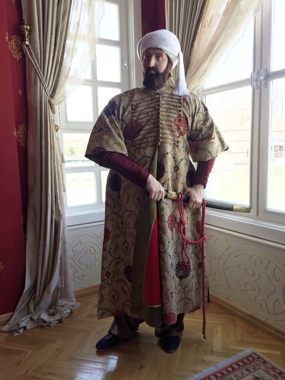The garment of Sultan Mehmed the Conqueror is one of the very first samples of the precious collection.