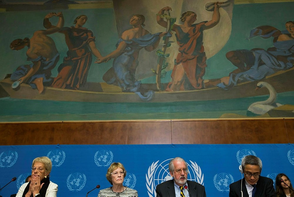 Brazilian Paulo Pinheiro (2-R), Chair of the Commission of Inquiry on Syria, and members of the Commission of Inquiry on Syria, (L-R) Switzerland's Carla del Ponte, US Karen Koning Abuzayd, and Thailand's Vitit Muntarbhorn. (EPA Photo)
