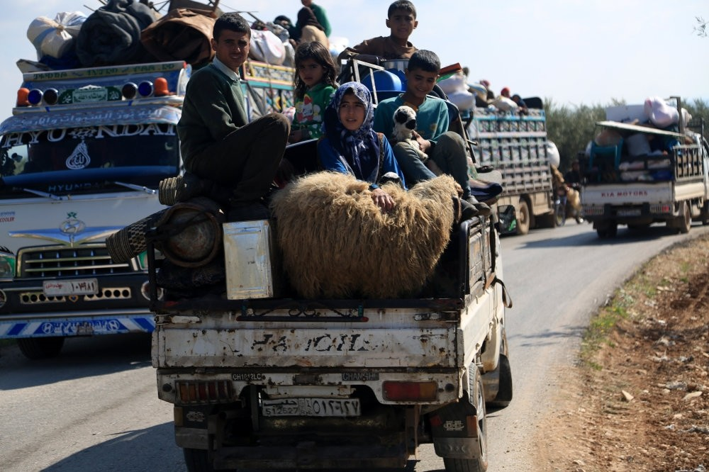 Due to the brutal actions of the YPG terrorist group, thousands of Syrians were displaced and moved to liberated regions. This photograph shows some of them moving to Afrin, March 13.