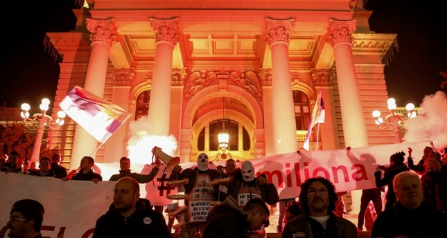 Serbians protest against populists for 11th week