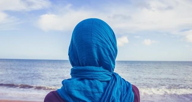 إسبانيا: الحكم لصالح طالبة مسلمة بحقها في التعليم وهي مرتدية حجابها