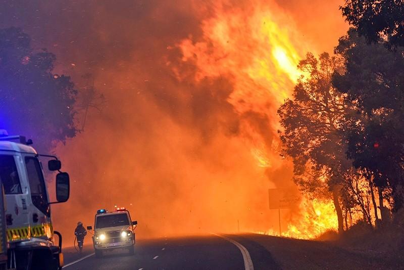 Firefighters battle a massive blaze near Yarloop in Western Australia  (AFP File Photo)