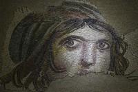 12 украденных фрагментов мозаики «Цыганка» вернутся в Турцию