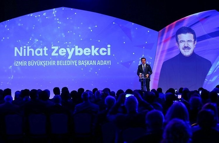 Nihat Zeybekci presents his proposed projects during a campaign program in u0130zmir, Feb. 7, 2019.