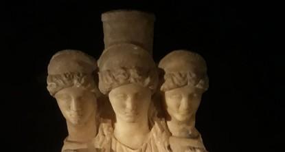 La police saisit une statue à trois têtes de l'époque romaine à Denizli