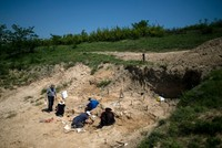 Looking for man's origins in a Bulgarian savannah