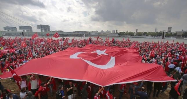 الأتراك يتظاهرون في عواصم أوروبية للتنديد بدعم أوروبا لتنظيم بي كا كا