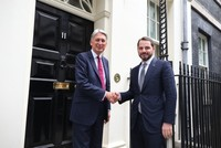 Albayrak meets British ministers, finance representatives for closer cooperation