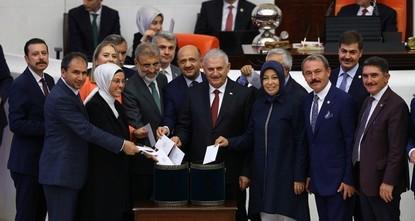 Binali Yıldırım zum Parlamentspräsidenten gewählt