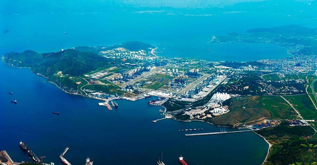 An aerial view of Aliau011fa peninsula in the Aegean province of u0130zmir where SOCAR plans to establish its new petrochemical R&D center.