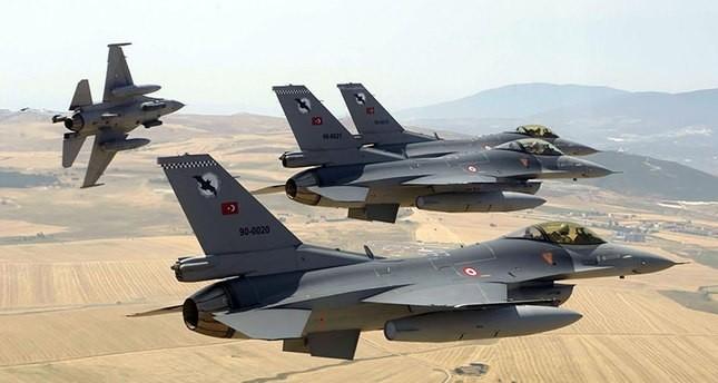 الأركان التركية تعلن تدمير مواقع لـبي كا كا شمالي العراق