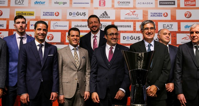 Turkish Basketball Federation President Hidayet Türkoğlu (L), THY Chairman of the Board İlker Aycı (C) at a press conference ahead of the Final Four.