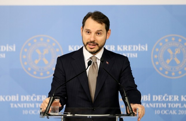 Treasury and Finance Minister Berat Albayrak speaks at the announcing ceremony of a new financing package for small and medium-sized enterprises (SMEs) yesterday in Istanbul.