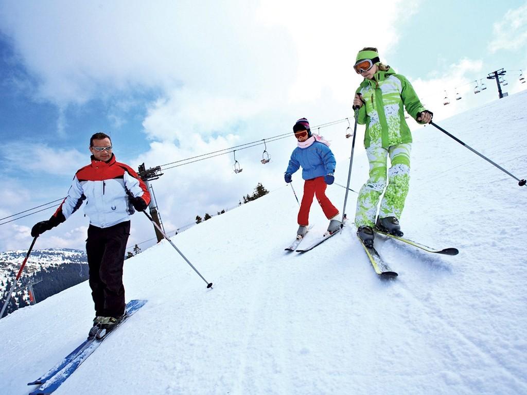نتيجة بحث الصور عن التزلج على الجليد