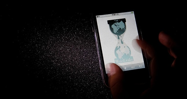 The logo of the Wikileaks website is pictured on a smartphone in this picture illustration taken in Tokyo November 29, 2010. (Reuters Photo)