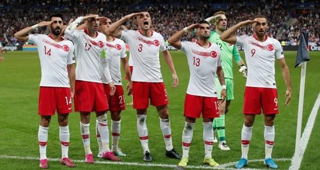 المنتخب التركي ينتزع تعادلًا ثمينًا من فرنسا في تصفيات يورو 2020