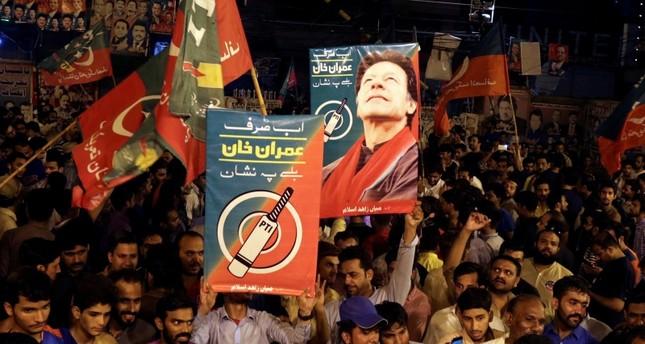 عمران خان يتقدم في النتائج الأولية للانتخابات الباكستانية وسط مزاعم تزوير