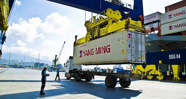 ارتفاع قيمة الصادرات والواردات التركية خلال الربع الأول من العام الجاري