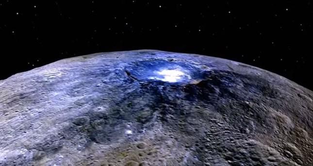 قمر صناعي يصدم نيزكا لتغيير مساره