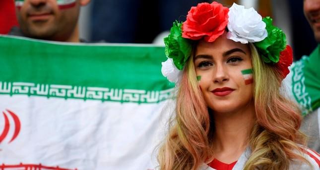 نساء إيرانيات يطالبن من مونديال روسيا بالسماح لهن بحضور المباريات المحلية