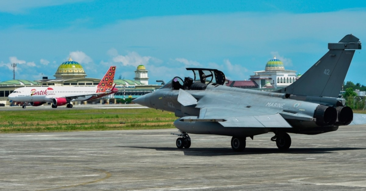 A French Rafale fighter jet is seen at an air force base in Blang Bintang, Aceh province on May 19, 2019 (AFP Photo)