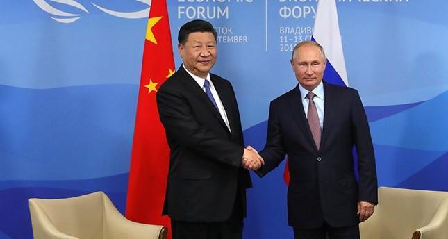 روسيا والصين تسعيان لتعزيز استخدام العملات الوطنية في التجارة بينهما
