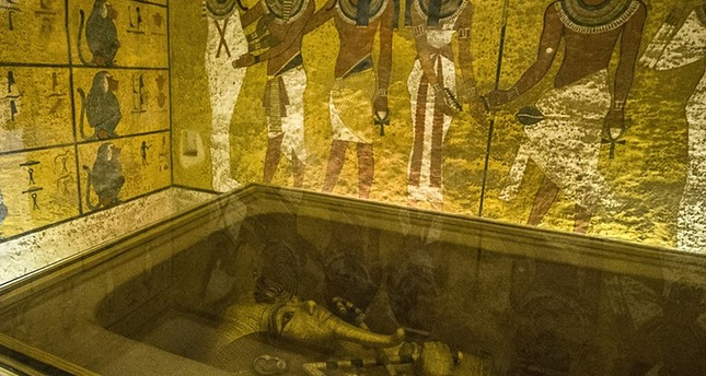 his file photo taken on November 28, 2015 shows the golden sarcophagus of the ancient Egyptian Pharaoh Tutankhamen displayed in his burial chamber in in the Valley of the Kings (AFP Photo)