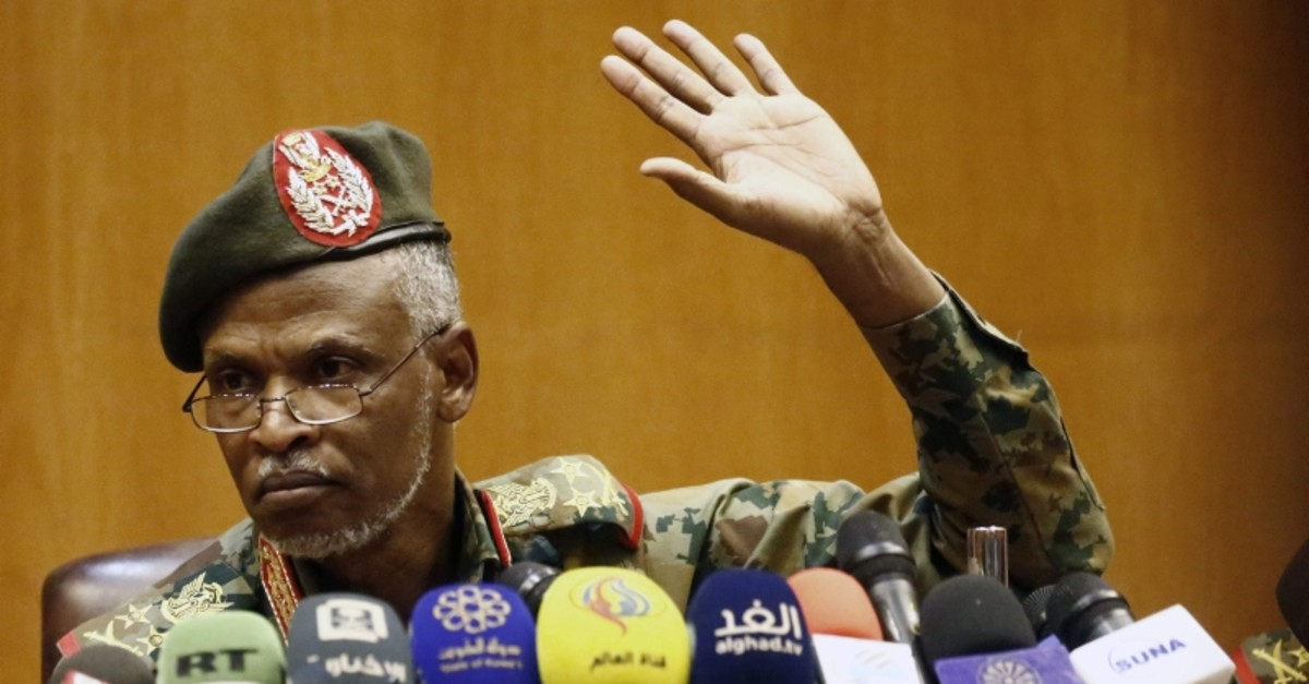 Lieutenant General Omar Zain Abedeen, the head of the new Sudanese military council's political committee, addresses a press conference on April 12, 2019 in the capital Khartoum. (AFP Photo)