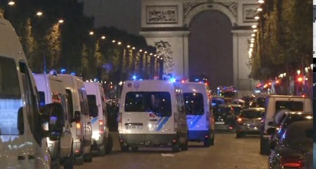 مقتل شرطي فرنسي وإصابة آخرين ومقتل مهاجم بإطلاق نار في باريس