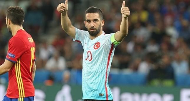 طوران يعود إلى قائمة تركيا استعداداً لتصفيات مونديال روسيا 2018