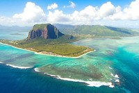 A group of researchers headed by Wits University geologist Professor Lewis Ashwal have revealed that a lost continent is buried under the island of Mauritius.