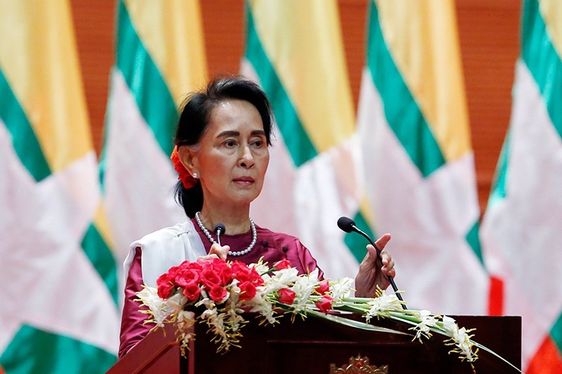 Myanmar's State Counselor Aung San Suu Kyi gives a speech on the Myanmar government's efforts with regard to national reconciliation and peace in Naypyitaw, Myanmar, 19 September 2017 (EPA Photo)