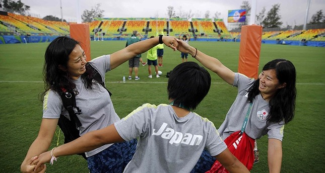 Rio Olympics - Rugby training - Deodoro - Rio de Janeiro, Brazil - 03/08/2016. Japan's women's rugby sevens team are pictured on the pitch as they arrive for training (Reuters Photo)