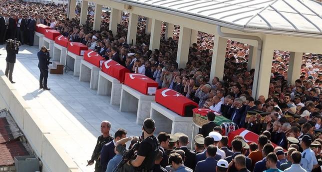 الحركة القومية التركي يؤيد إعادة عقوبة الإعدام لإنزالها بحق الانقلابيين
