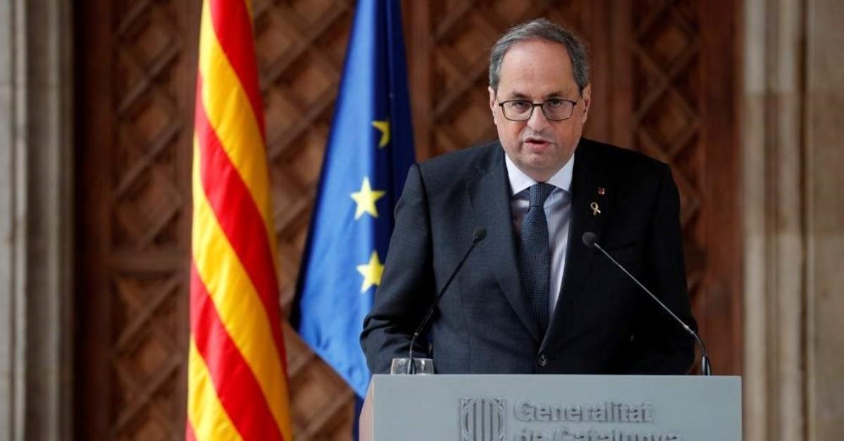 The leader of Catalonia's regional government, Quim Torra, delivers a statement at Palau de la Generalitat, Barcelona, Dec. 19, 2019. (Reuters Photo)