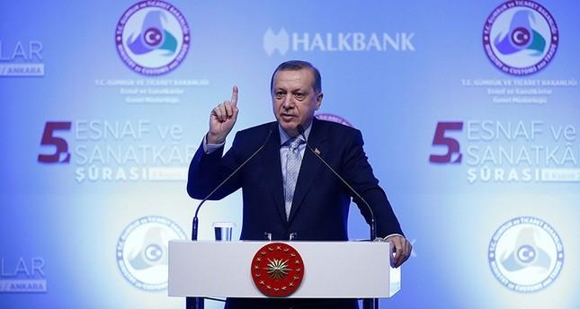 أردوغان يدعو أوروبا لفتح أبوابها للاجئين بدلاً من استقبال إرهابيي بي كا كا