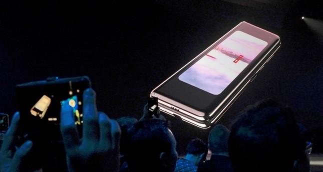Samsung delays Galaxy Fold launch amid breakdowns