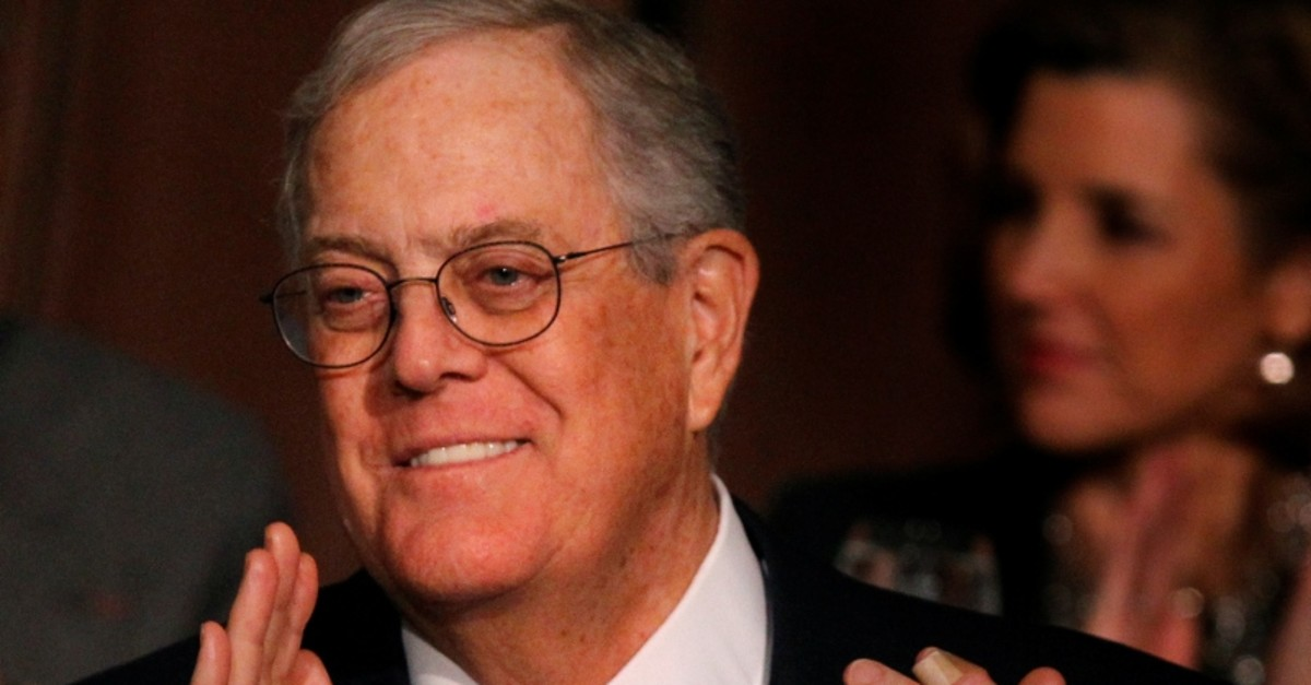 David Koch, executive vice president of Koch Industries, applauds during an Economic Club of New York event in New York, December 10, 2012. (Reuters Photo)